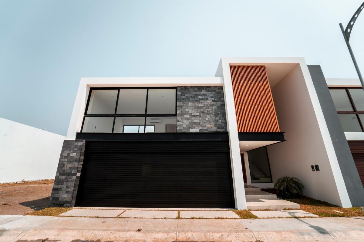 Foto Casa en Venta en  Fraccionamiento Las Palmas Green,  Medellín  LAS PALMAS GREEN, Casa en VENTA con sala de TV, terraza y jardín, (MA)