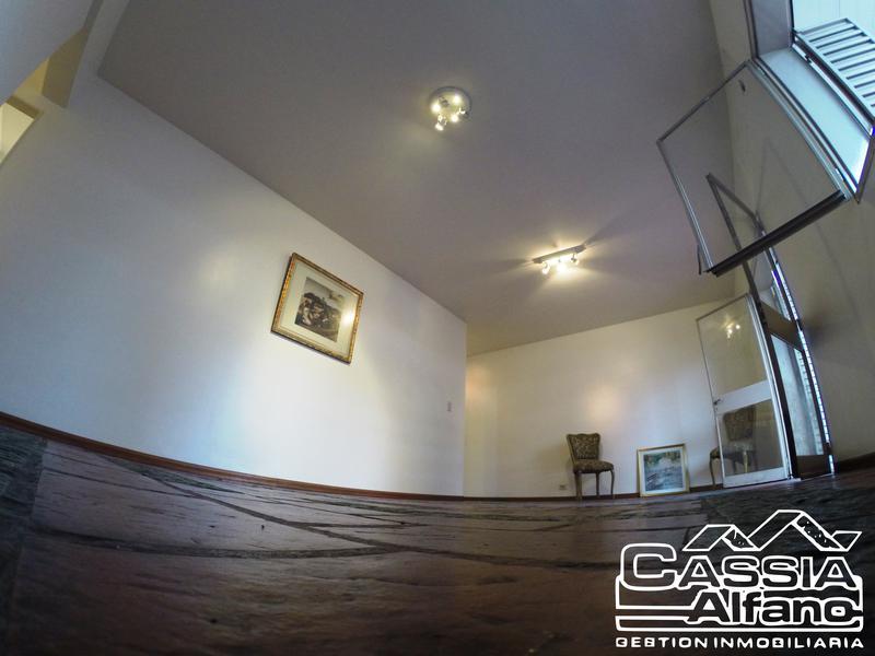 Foto Departamento en Venta |  en  Lomas de Zamora Oeste,  Lomas De Zamora  LORIA 185