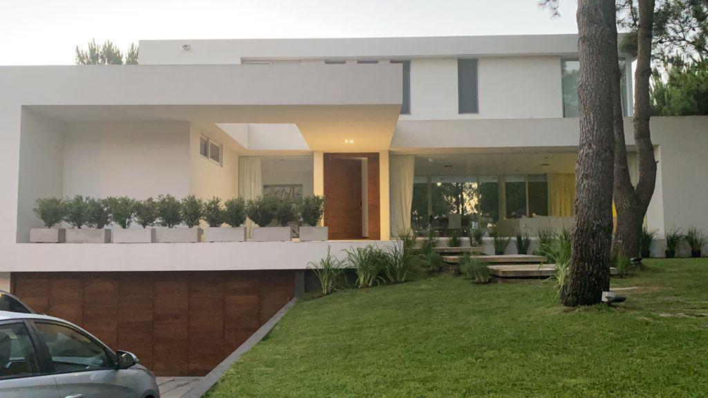 Foto Casa en Venta en  La Herradura,  Pinamar  Boulevard La Herradura Lote 4