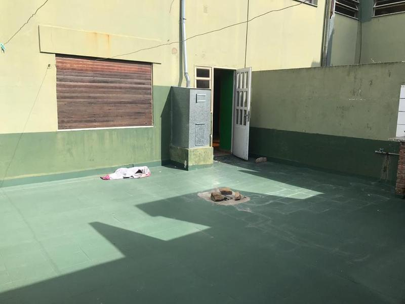 Foto Departamento en Venta en  Lomas De Zamora ,  G.B.A. Zona Sur  HIPOLITO YRIGOYEN al 9800