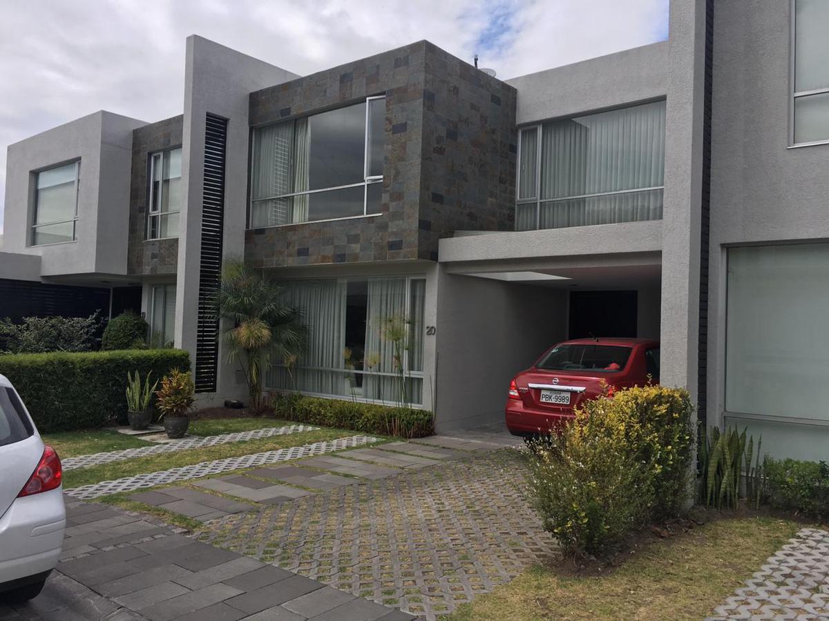 Foto Casa en Venta en  Cumbayá,  Quito  VENTA CASA 222,39m², CUMBAYÁ