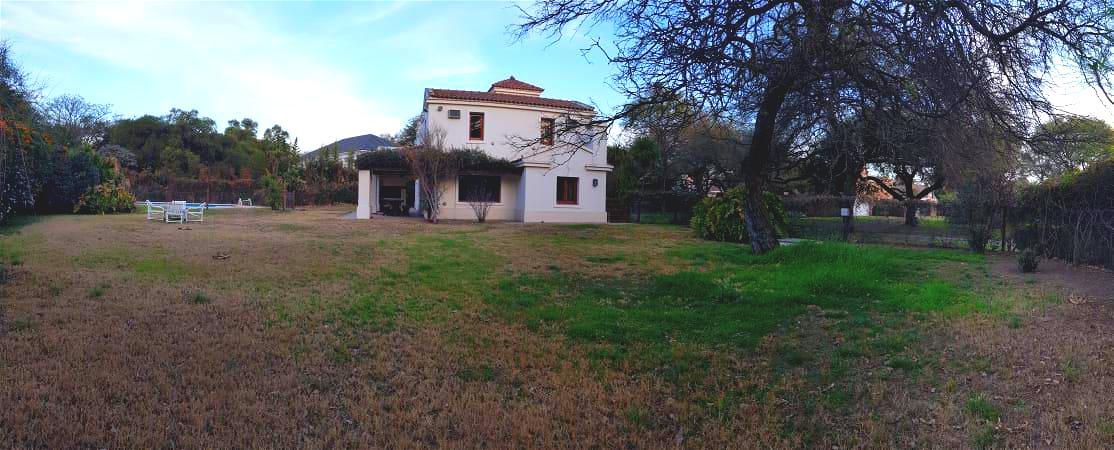 Foto Casa en Venta en  Jockey Club,  Cordoba Capital  Country Jockey Club