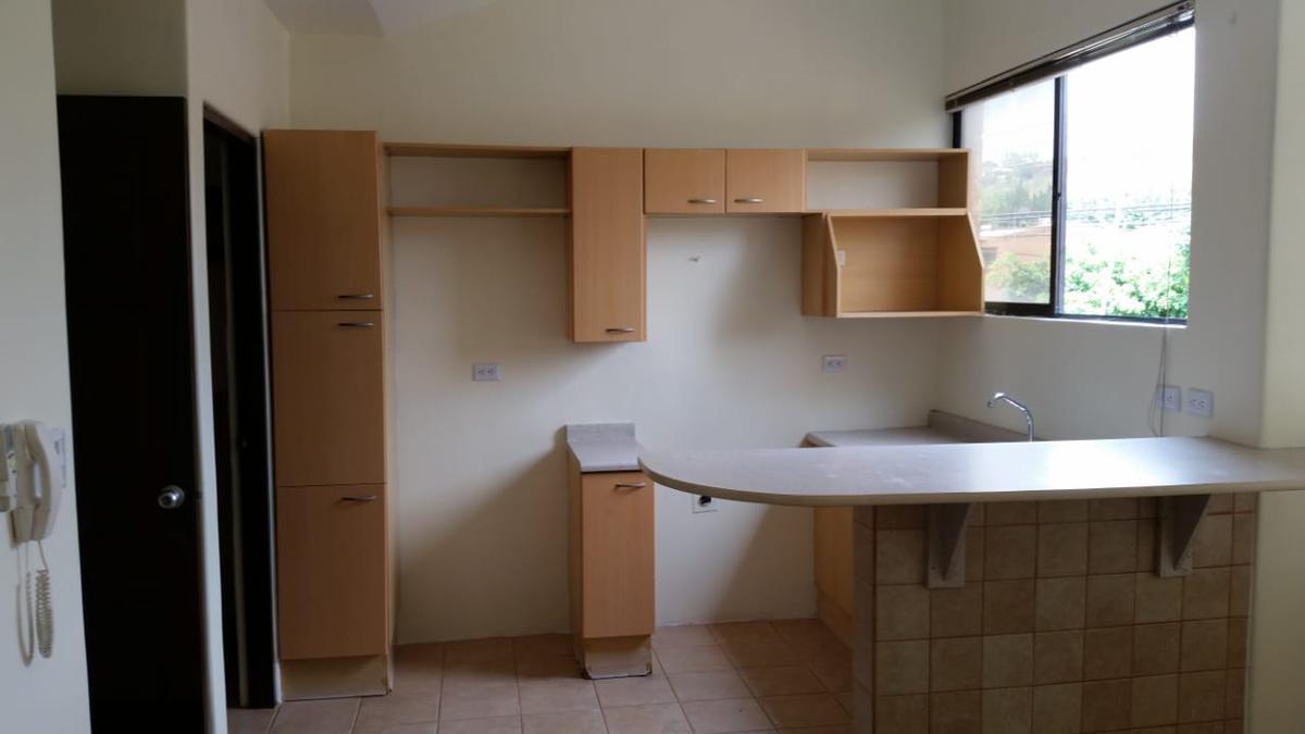 Foto Casa en Renta en  Pozos,  Santa Ana  Santa Ana/ Ideal para 1 persona o pareja/ a 5 min de Forum II