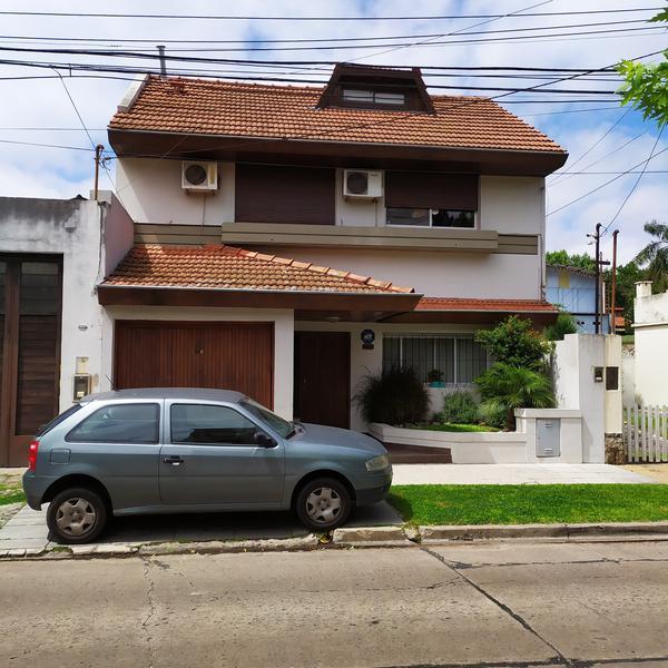 Foto Casa en Venta en  Munro,  Vicente Lopez  ESMERALDA al 3300