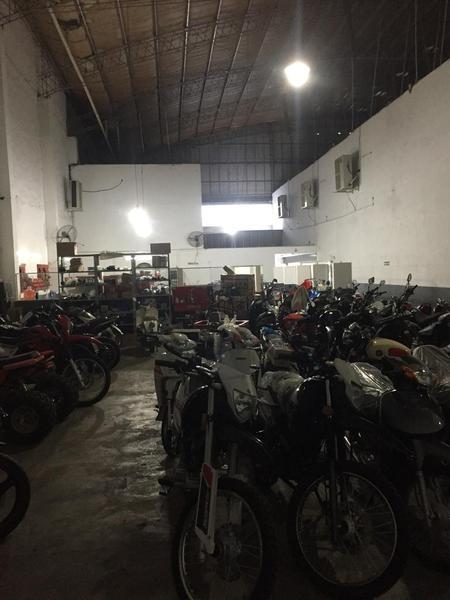 Foto Local en Alquiler en  San Miguel De Tucumán,  Capital  AV. JUAN B. JUSTO al 1000