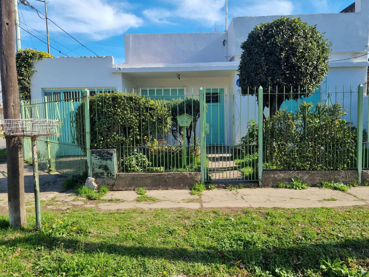 Foto Casa en Venta en  Libertad,  Merlo  HELVECIA Y MALARGUE