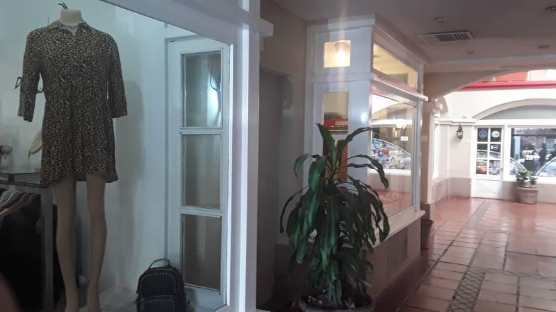 Foto Local en Venta en  Área Centro Este ,  Capital  Alberdi al 200