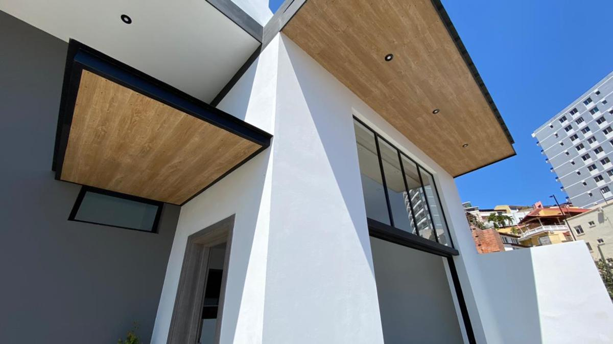 Foto Casa en Venta en  Tegucigalpa ,  Tegucigalpa  Moderna Residencia de 3 habitaciones en Col. Lomas del Mayab