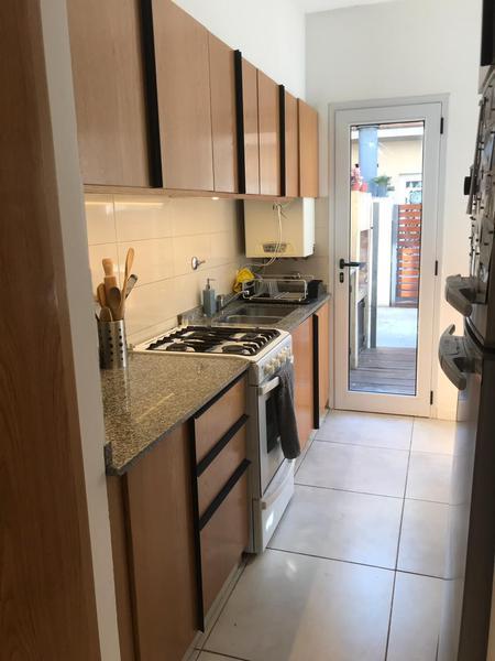 Foto Casa en Venta en  Adrogue,  Almirante Brown  Venta - Dúplex  de 3 ambientes en Adrogue