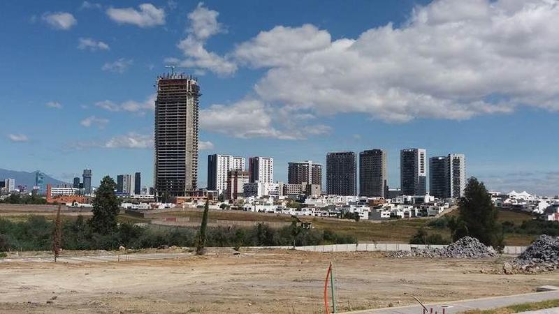 Foto Terreno en Venta en  Fraccionamiento Lomas de  Angelópolis,  San Andrés Cholula  Terreno en Venta Lomas de Angelopolis, zona Sonata