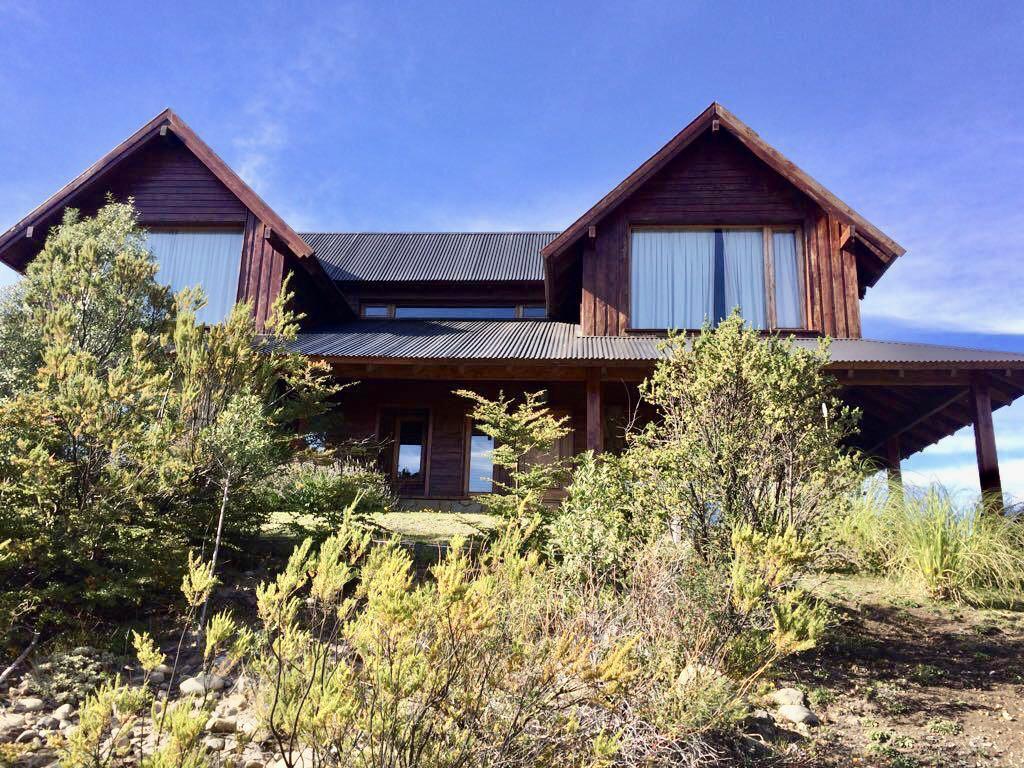 Foto Casa en Venta en  Arelauquen,  Bariloche  Sector Polo