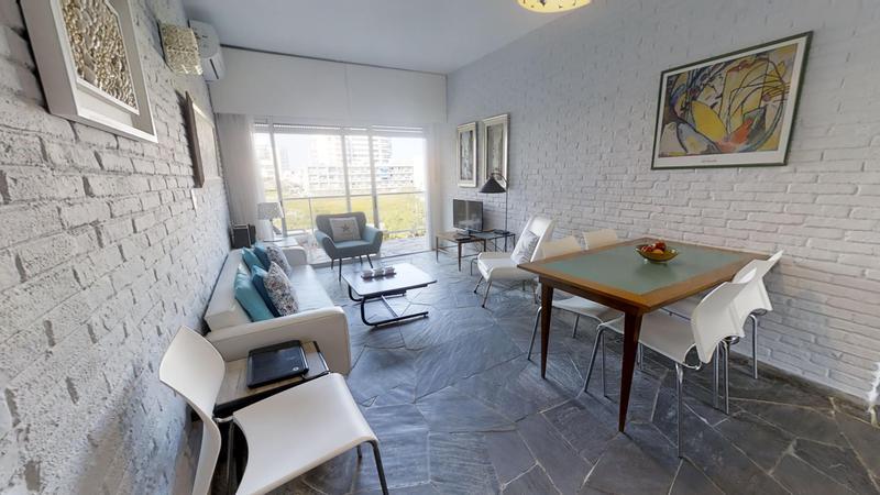 Foto Departamento en Venta en  Playa Brava,  Punta del Este  Apartamento en la Playa Brava a metros de Chiverta
