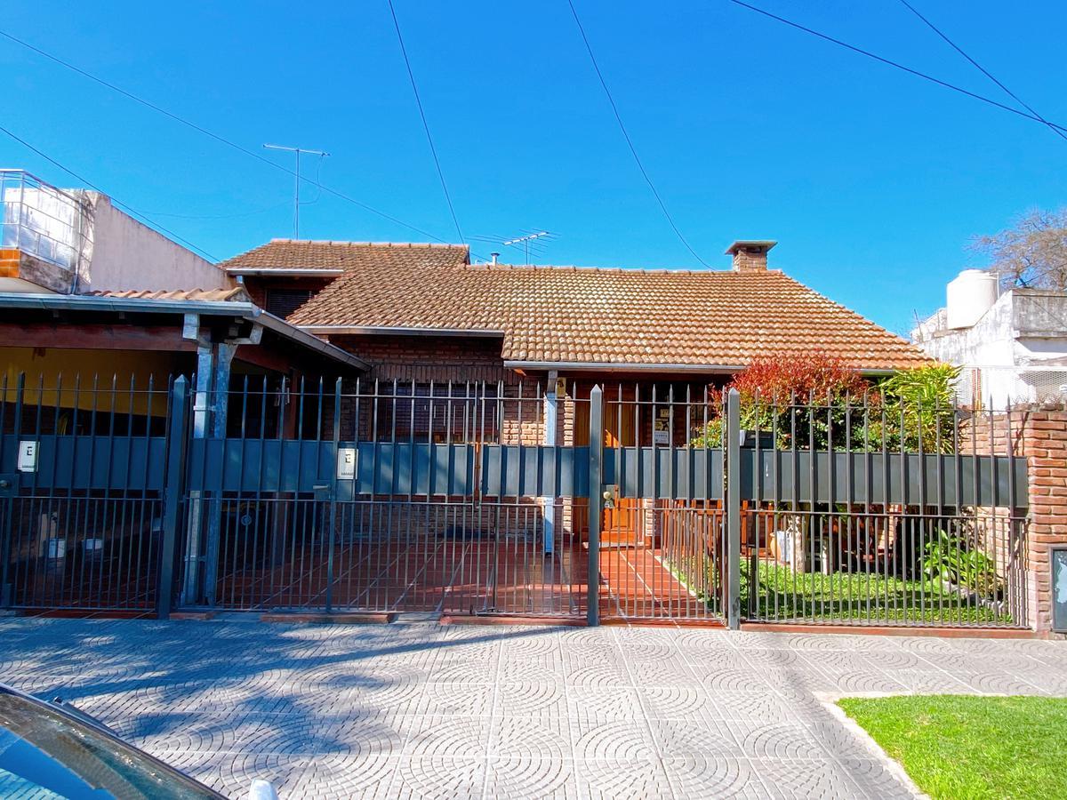 Foto Casa en Venta en  San Fernando ,  G.B.A. Zona Norte  bomberos voluntarios al 2700