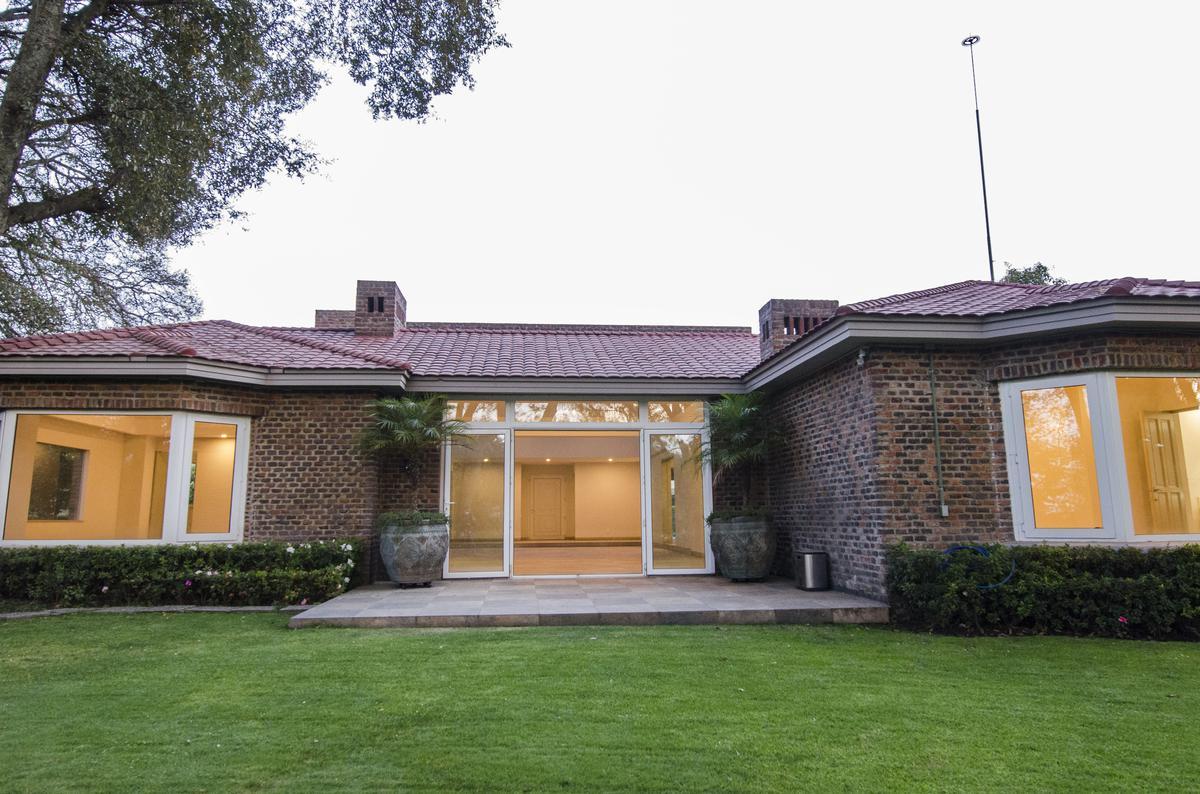 Foto Casa en Venta en  Lerma ,  Edo. de México  Club de Golf Los Encinos, Lerma, Estado de Mexico