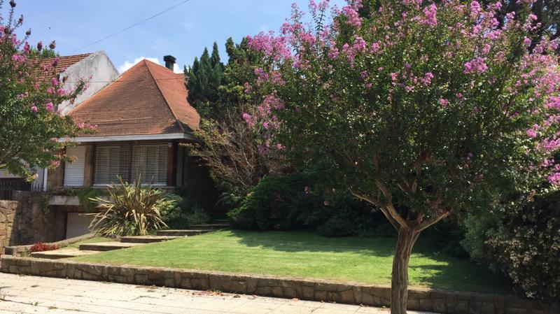 Foto Casa en Venta en  Temperley Oeste,  Temperley  Av. Fernandez al 200
