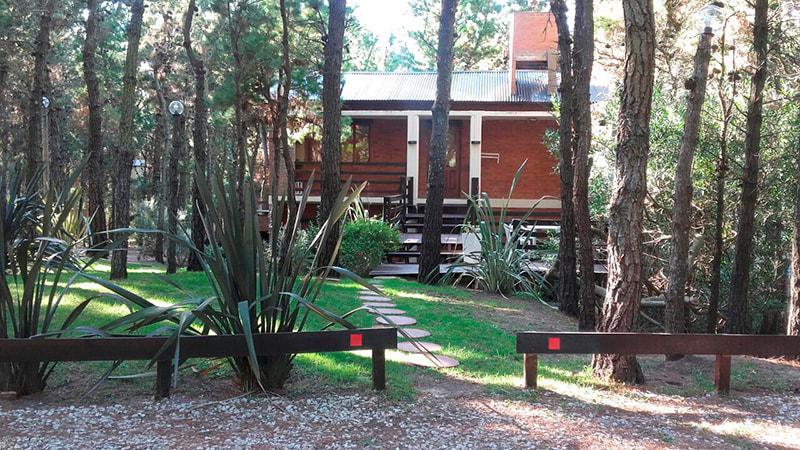 Foto Hotel en Venta en  Mar De Las Pampas,  Villa Gesell  Complejo de 4 cabañas