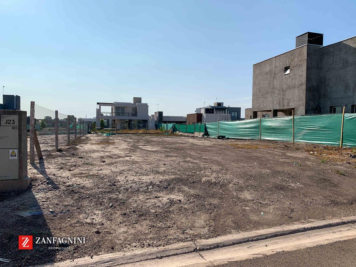 Foto Terreno en Venta en  Guaymallen ,  Mendoza  Las Cortaderas 2da etapa - J23