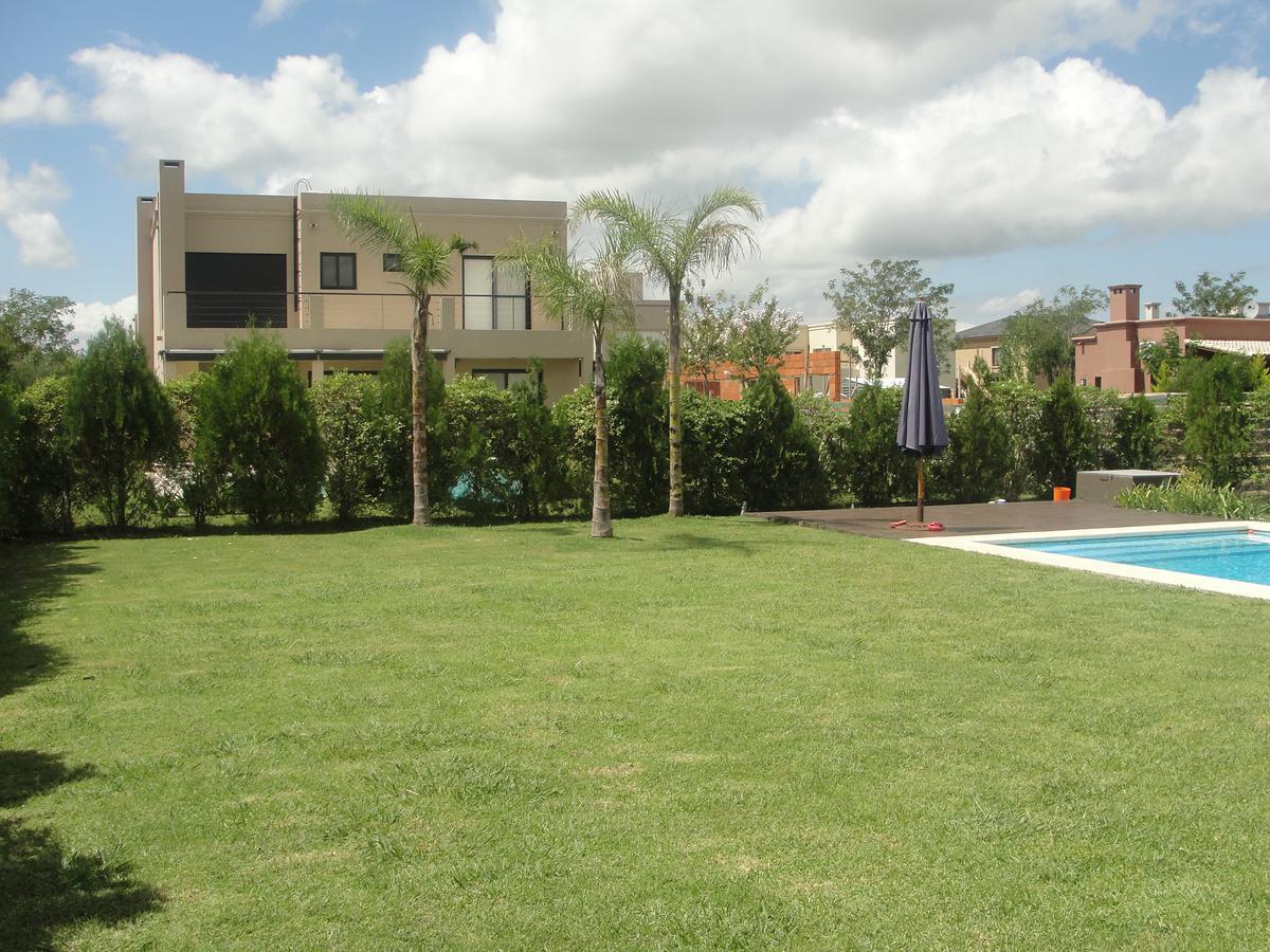 Foto Casa en Venta en  Los Sauces,  Nordelta  Avda de Los Lagos 82