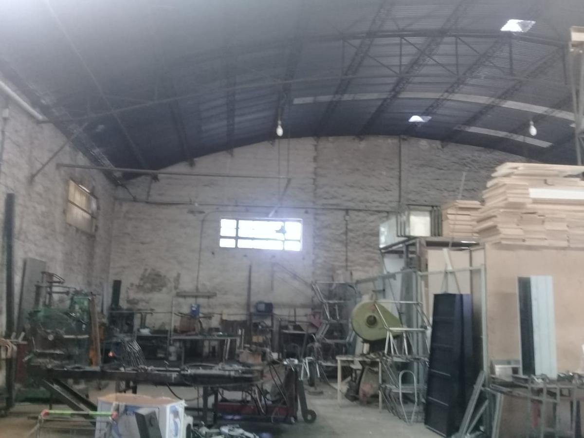 Foto Depósito en Venta en  Tigre,  Tigre  J HERNANDEZ 600