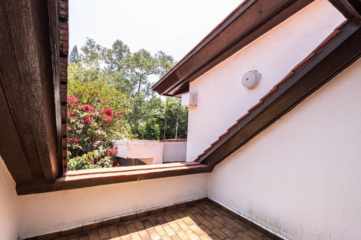 Foto Casa en Venta en  Bosques de la Herradura,  Huixquilucan  Casa en calle muy tranquila