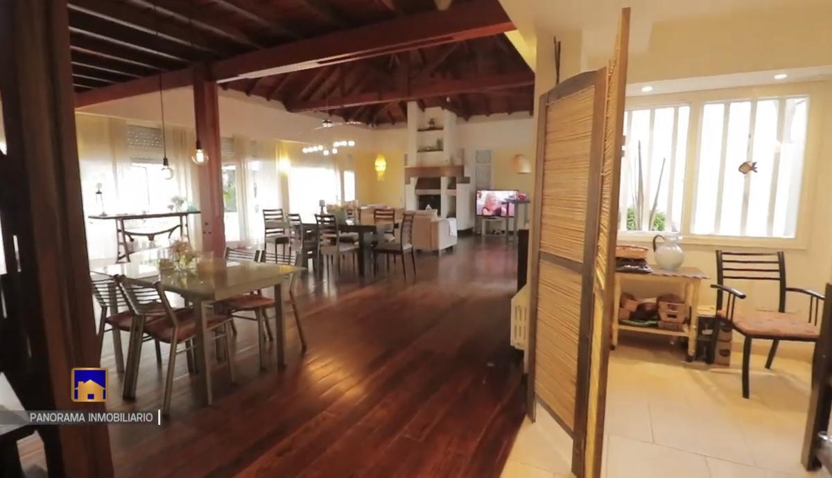 Foto Casa en Venta en  Caisamar,  Mar Del Plata  Carballo 1125, entre Cataluña y Aragon