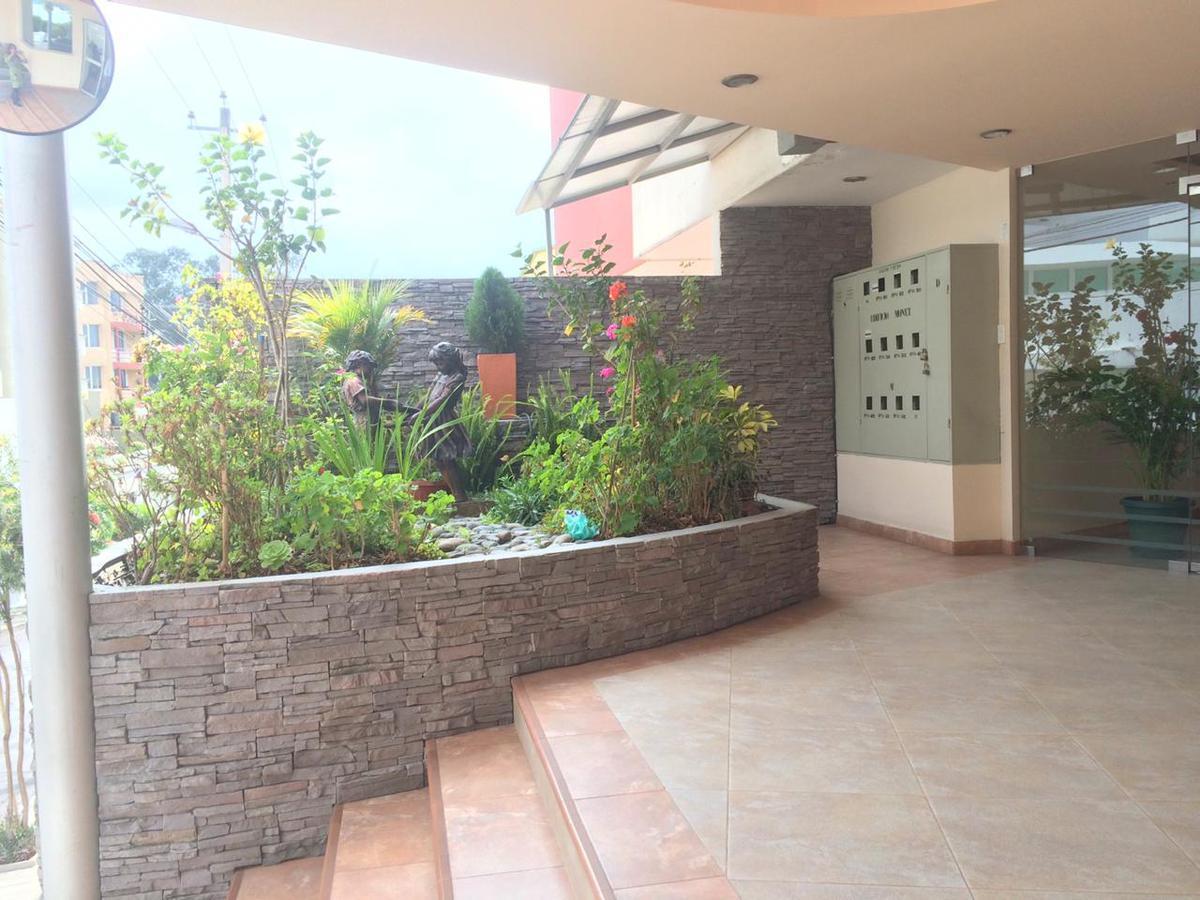 Foto Departamento en Venta en  El Batán,  Quito  Jardines del Batan