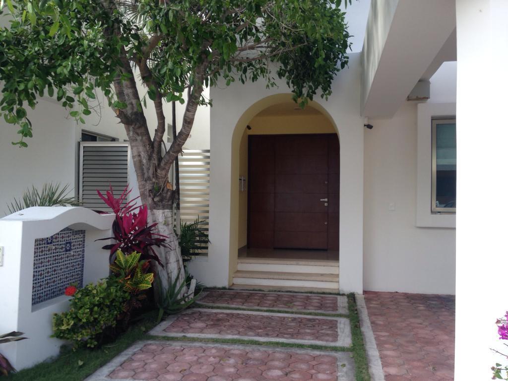 Foto Casa en Renta en  Residencial Cumbres,  Cancún  CASA EN RENTA EN CANCUN EN RESIDENCIAL CUMBRES