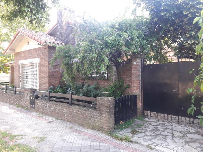 Foto Casa en Venta en  Banfield Oeste,  Banfield  Carlos Crocce al 1400