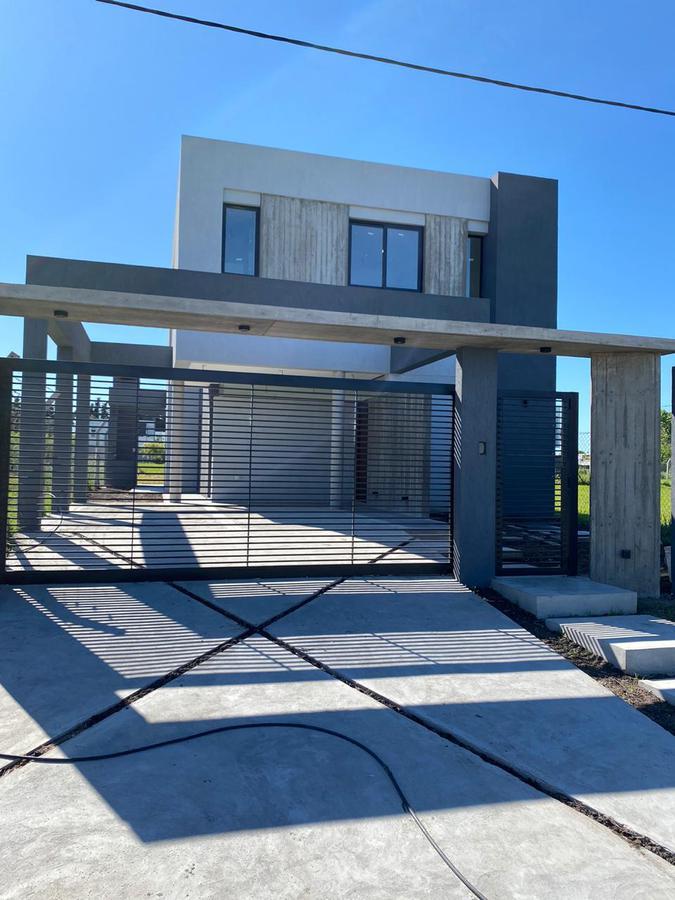 Foto Casa en Venta | Alquiler en  Joaquin Gorina,  La Plata  488 e/ 133 y 134 Altos de Lacroze