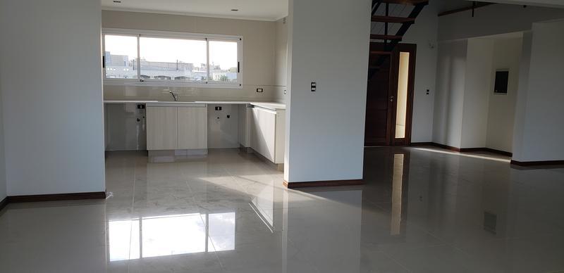 Foto Casa en Alquiler | Venta en  Santa Juana,  Canning (E. Echeverria)  Hermosa casa en Santa Juana en venta y alquiler