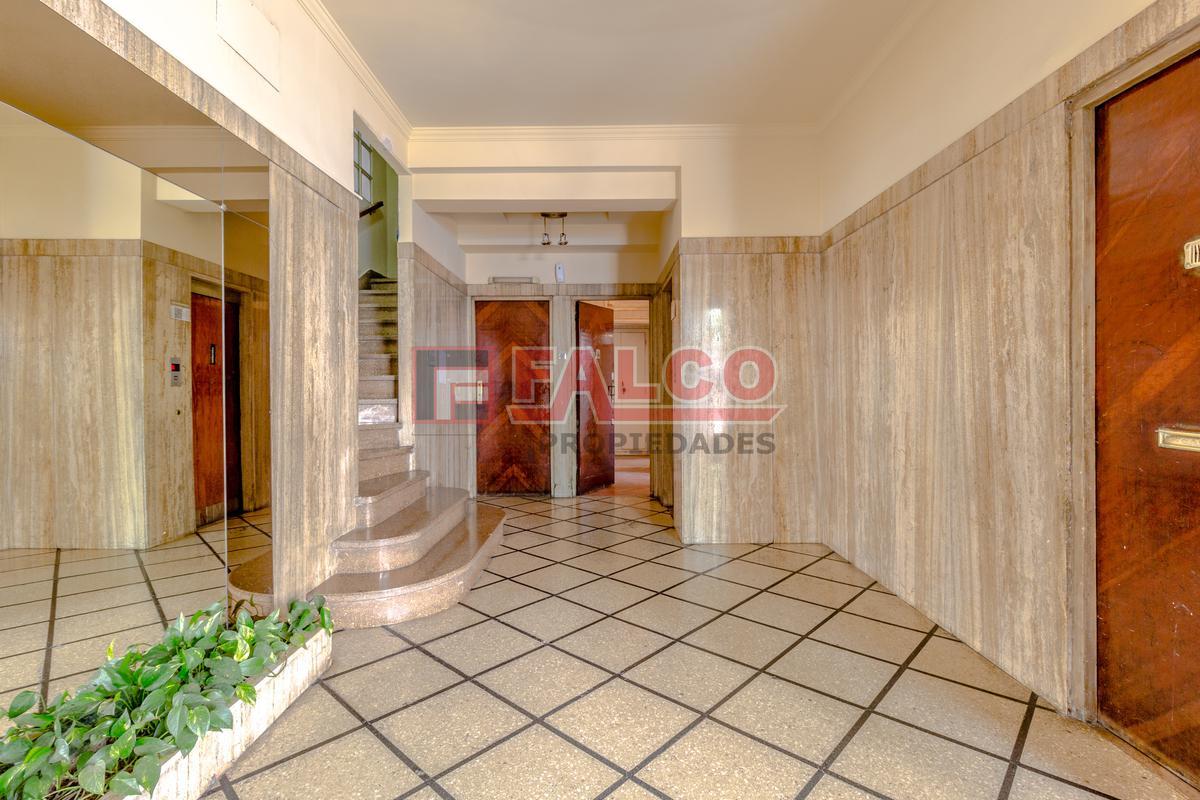 Foto Oficina en Venta en  Caballito ,  Capital Federal  Rivadavia al 6000