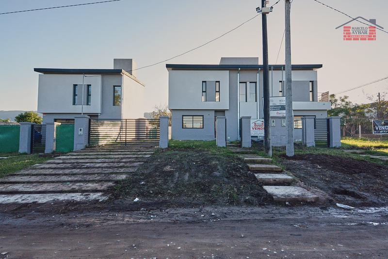 Foto Casa en Venta en  Yerba Buena ,  Tucumán  Isla Soledad Y guatemala, Yerba Buena, Tucumán