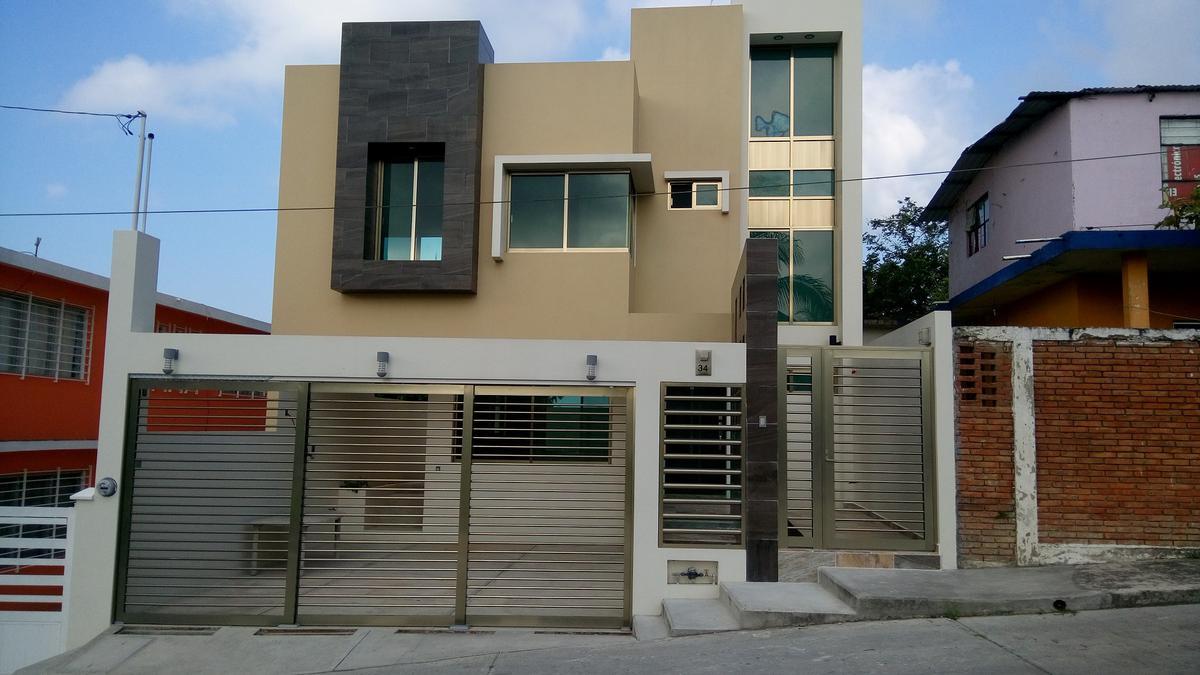 Foto Casa en Renta en  Zapote Gordo,  Tuxpan  CASA EN EXCELENTE UBICACIÓN