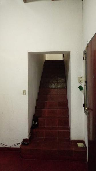 Foto Casa en Venta en  Los Hornos,  La Plata                  65 entre 146 y 147
