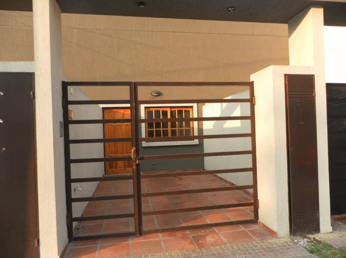 Foto Casa en Alquiler en  La Plata,  La Plata  138 bis e/ 33 y 34