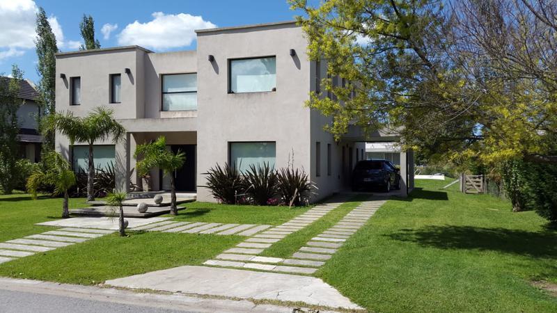 Foto Casa en Venta en  Canning,  Esteban Echeverria  San Eliseo