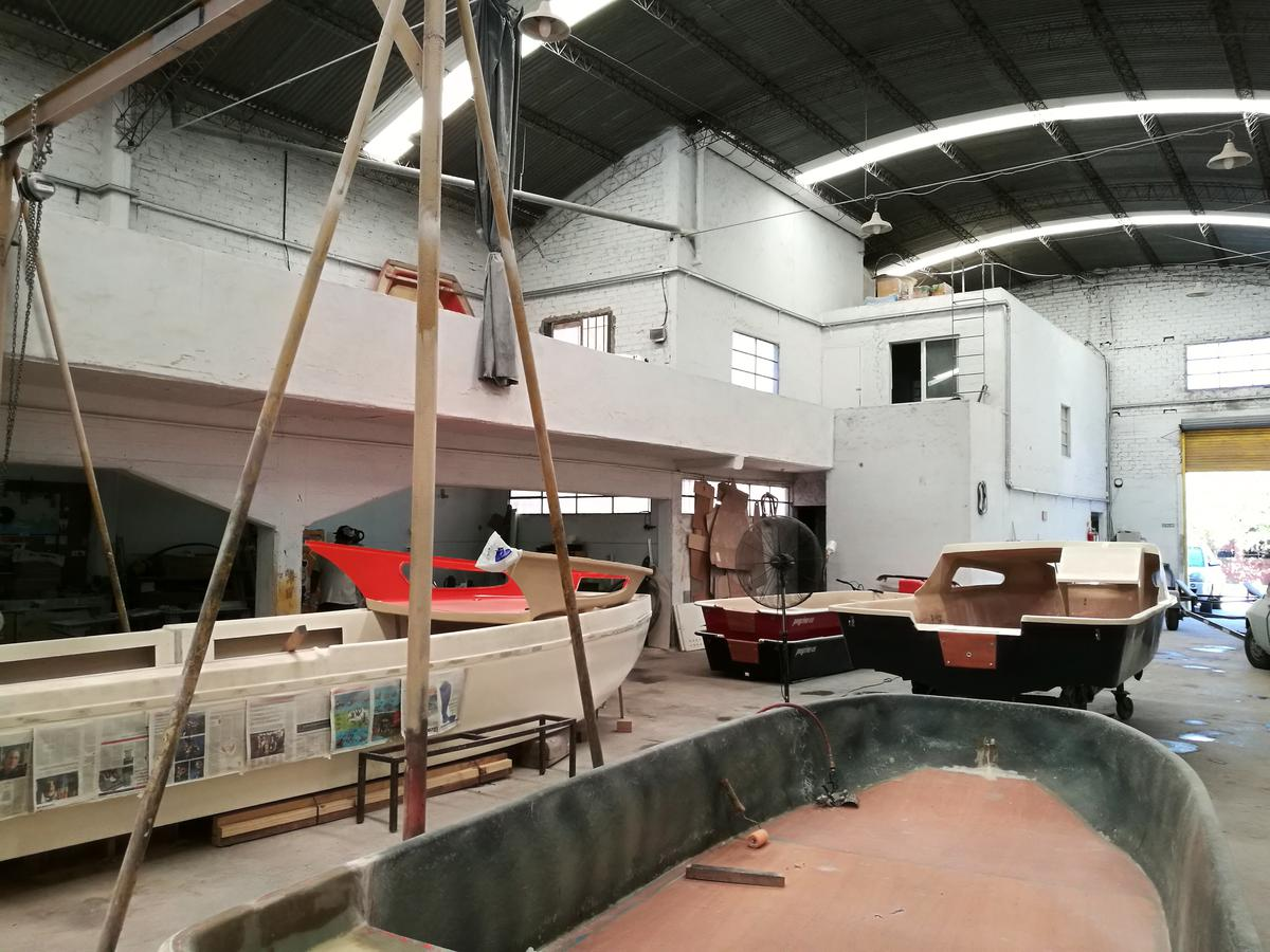 Foto Nave Industrial en Venta en  San Fernando ,  G.B.A. Zona Norte  Deposito Industrial  actualmente con habilitacion municipal zona muy segura a 100mts de posta policial