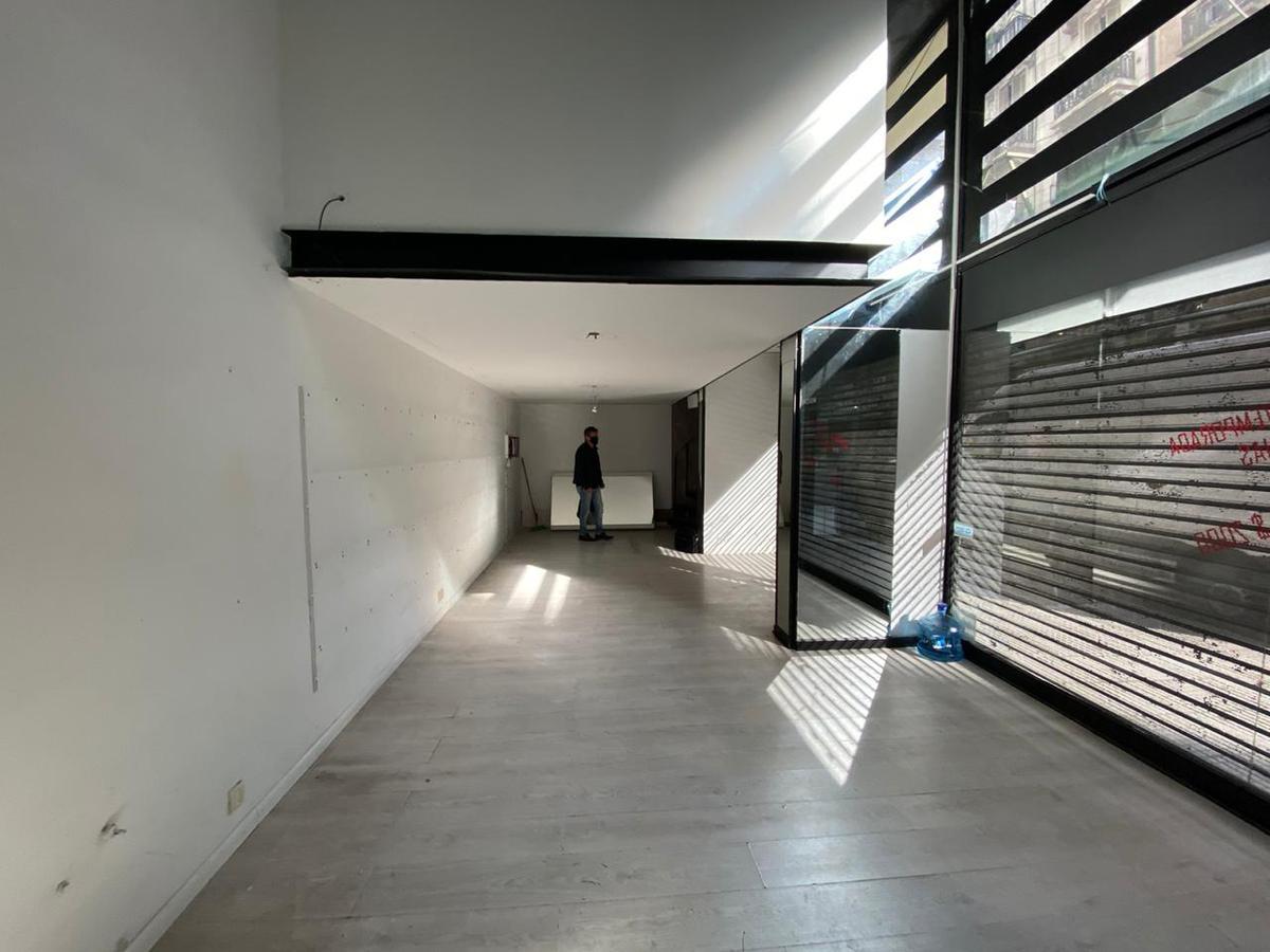 Foto Local en Alquiler en  Recoleta ,  Capital Federal  AV. SANTA FE ESQ SCHEZ BUSTAMENTE