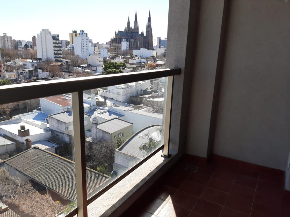 Foto Departamento en Venta en  Zona Sur,  La Plata  56 17 y 18