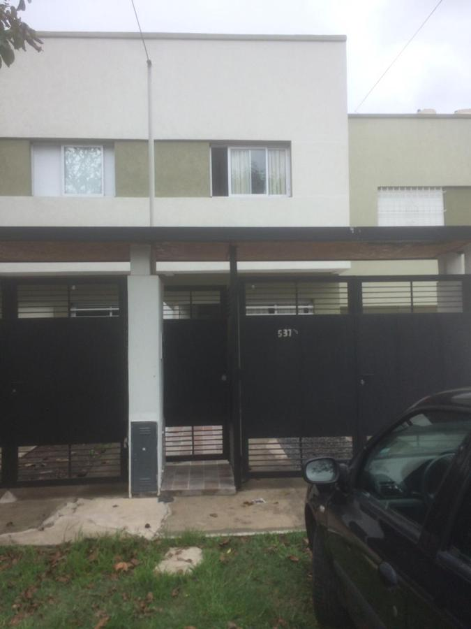 Foto Casa en Venta en  La Plata ,  G.B.A. Zona Sur  136 entre 42 y 43