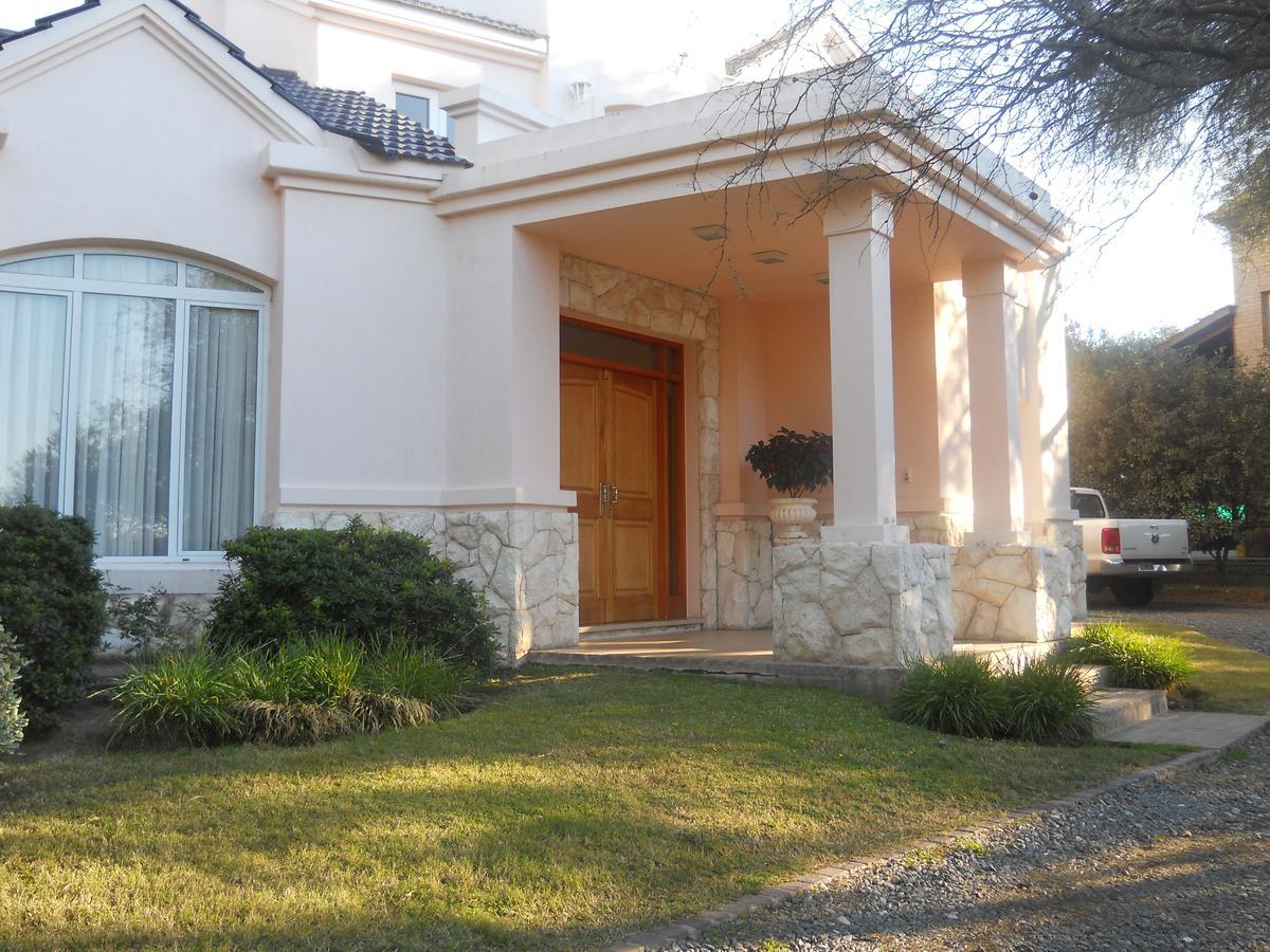 Foto Casa en Venta en  Lomas de los Carolinos,  Countries/B.Cerrado  LOMAS DE LOS CAROLINOS