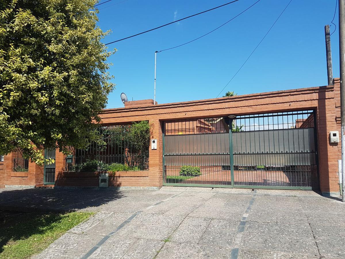Foto Casa en Venta en  Capital ,  Tucumán  AMERICA al 1300