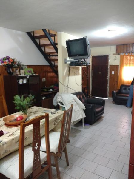 Foto Casa en Venta en  Los Polvorines,  Malvinas Argentinas  Constitución al 2300