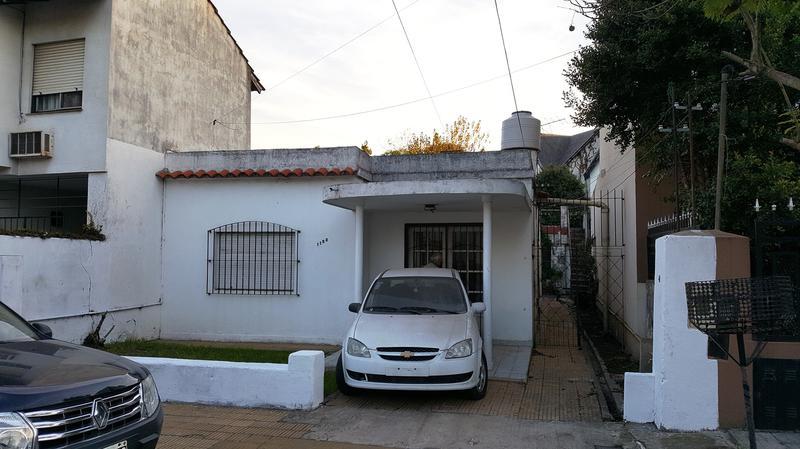 Foto Casa en Venta en  Adrogue,  Almirante Brown  Obligado 1152, Entre Bouchard