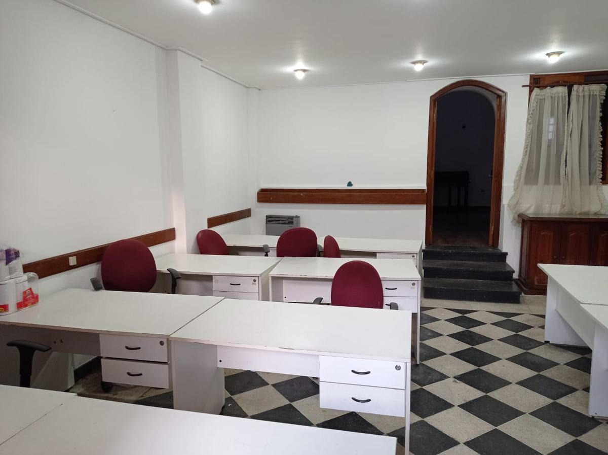 Foto Local en Venta en  San Fernando ,  G.B.A. Zona Norte  Excelente local, oficina, estudio de 4 ambientes en el corazón de San Fernando