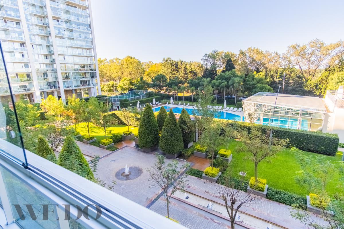 Vicente Lopez - 4 dormitorios c/jardines 225m2, 2 cochera-Venta