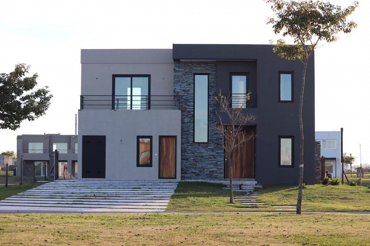 Foto Casa en Alquiler en  Acacias,  Puertos del Lago  Puertos - Barrio Ceibos - Al agua