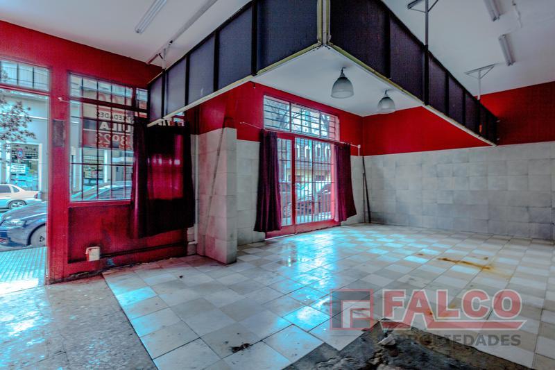 Foto Local en Alquiler en  Caballito ,  Capital Federal  Ramon Falcon al 1600