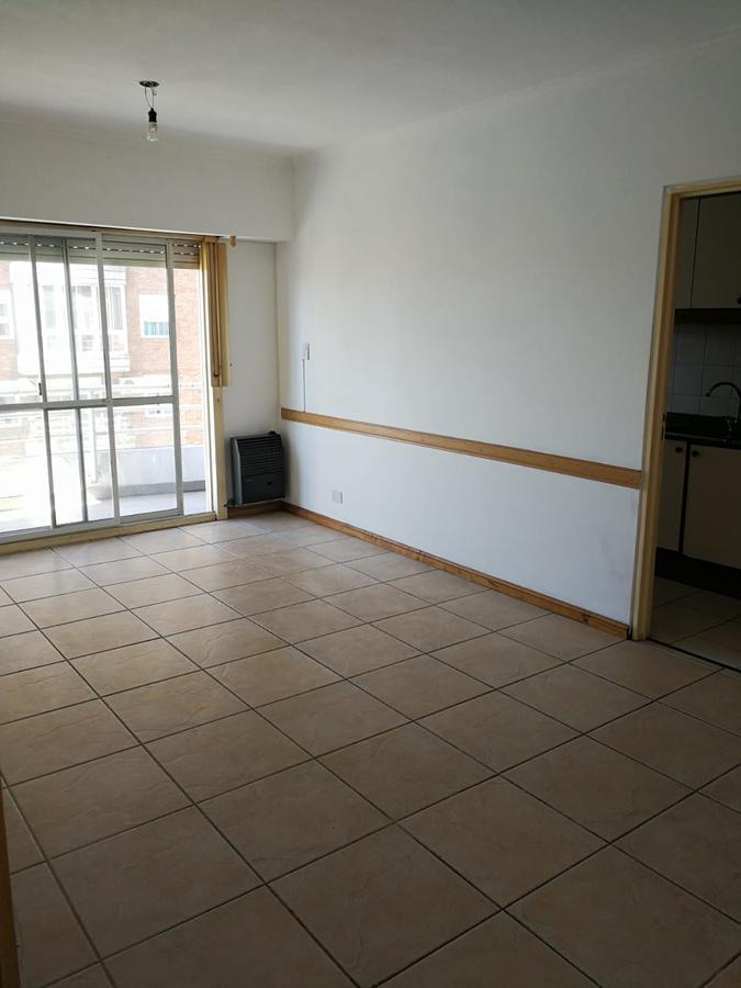 Foto Departamento en Venta en  Sarandi,  Avellaneda  ZEBALLOS al 3600