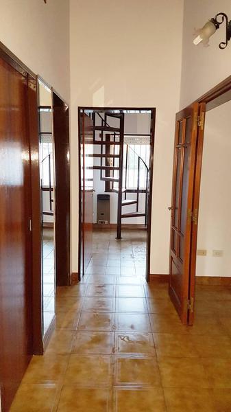 Foto Casa en Venta en  Belen De Escobar,  Escobar  Los Nardos 244
